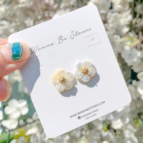 은침 귀걸이 이어링 스터드 꽃잎들 쉘플라워 봄꽃