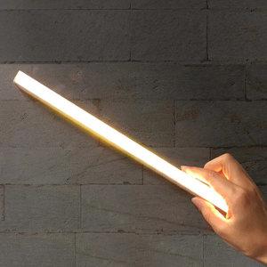 손쉬운 설치 무선 LED 센서등 센서라이트 조명