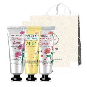 PERFUME IN HAND CREAM 3-item Set Lunar new year`s gift set 1+1/5+1/shopping bag
