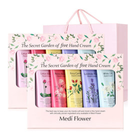 The Secret Garden of five Hand Cream Lunar new year`s gift set 1+1/5+1/shopping bag