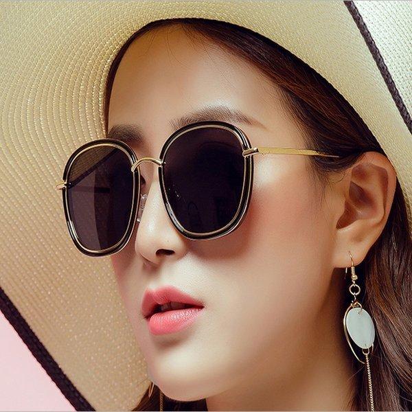 미러 선글라스로 자외선 차단 빈티지 패션 상품이미지