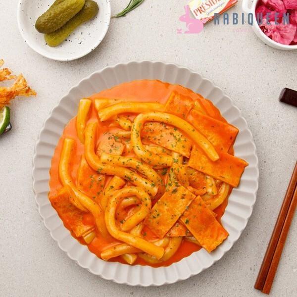라비퀸 츄잇 떡볶이 매콤까르보나라맛 500g 상품이미지