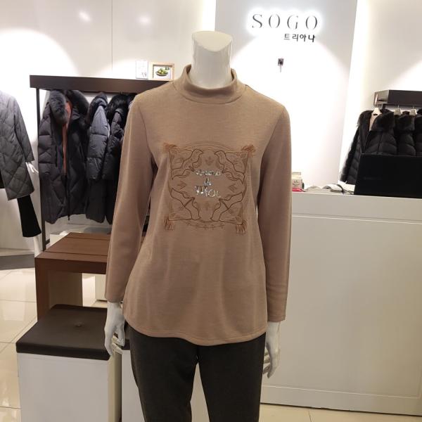 트리아나   백화점SAY   반 폴라 니트 티셔츠 (TF4TA02) 상품이미지