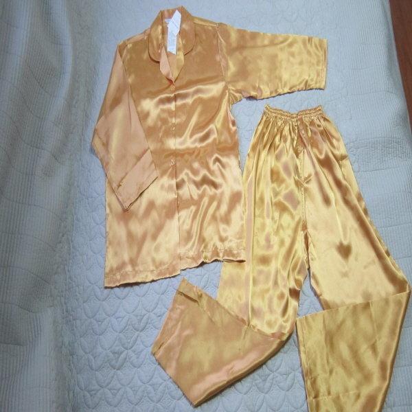 실크감촉 부드러운 골드잠옷세트 새옷66-77 상품이미지