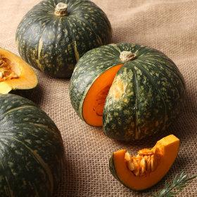 킹블랙단호박 뉴질랜드 _통 1.3kg
