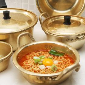 Aluminum cookware collection / stock pot / sauce pan / casserole pot / bowl /