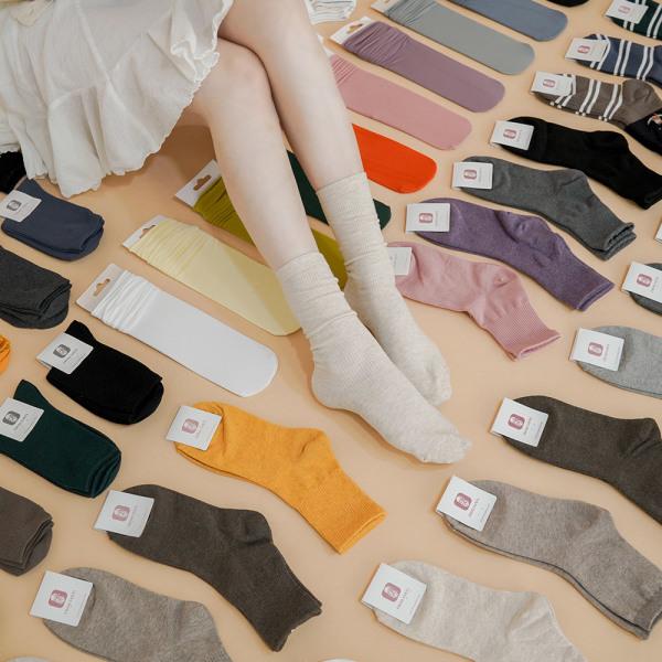 商品圖片,韓國代購|韓國批發-ibuy99|3+1 Fall New Arrival Men Women Cotton Socks Mid H…
